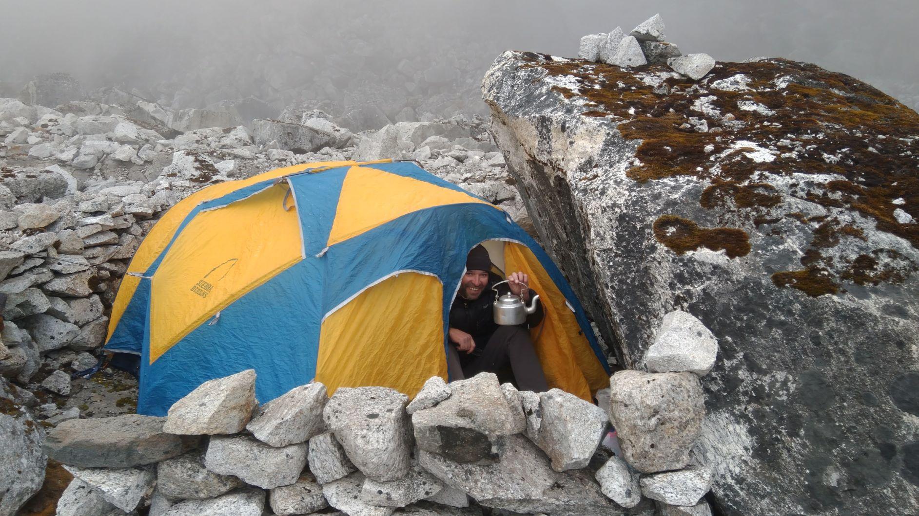 Telts augšējā nometnē